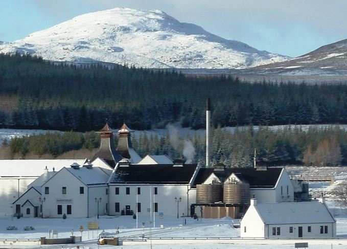 Dalwhinnie distillery in the snow