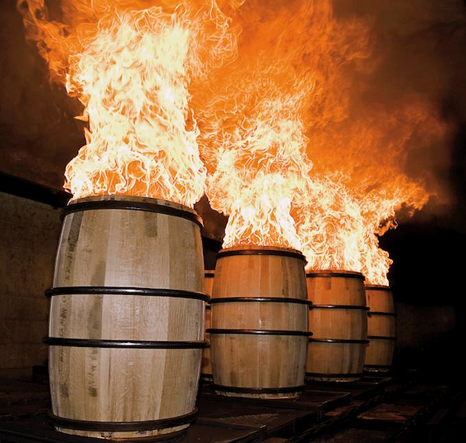 Charring oak barrels