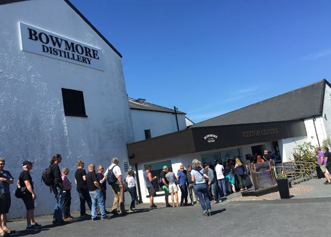 Bowmore Feis Ile queue