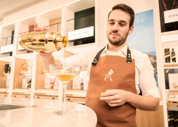 Cocktails at the Johnnie Walker whisky store in Madrid