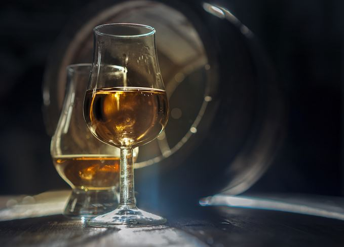 Chill filtration whisky glass