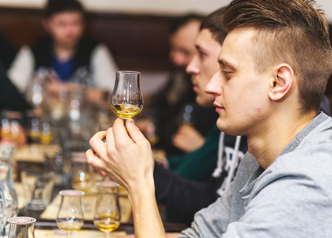 Scotch whisky language and aroma