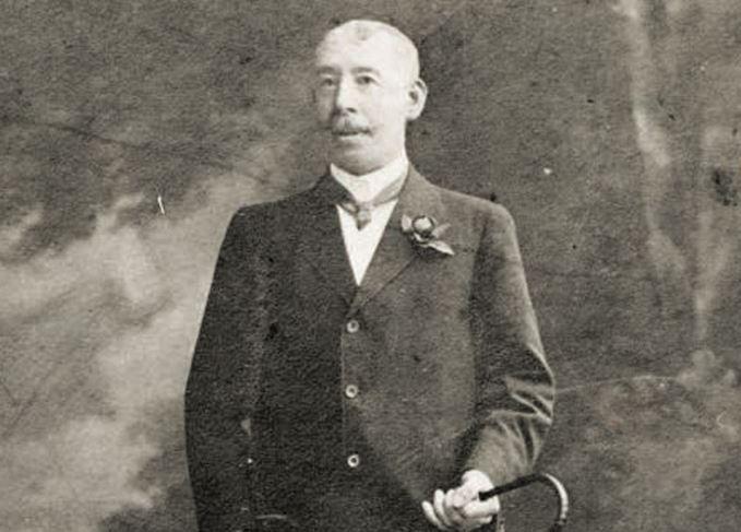 Paddy O'Flaherty Irish whiskey salesman