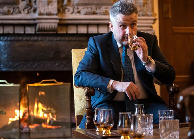 Sandy Hyslop, master blender for Chivas Brothers, tasting whiskies