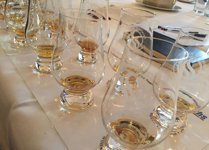 Blind tasting whisky
